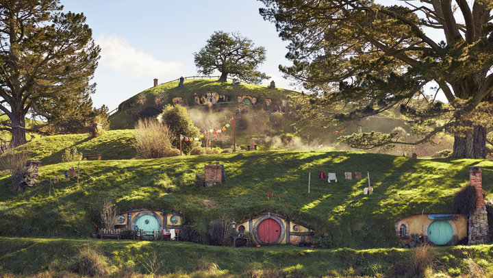 hobbiton-destinations-in-new-zealand